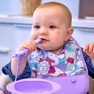 travel-bib-convenient-baby-simple-lightweight