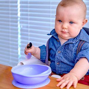 Toddler-Mealtime-self-feeding-baby